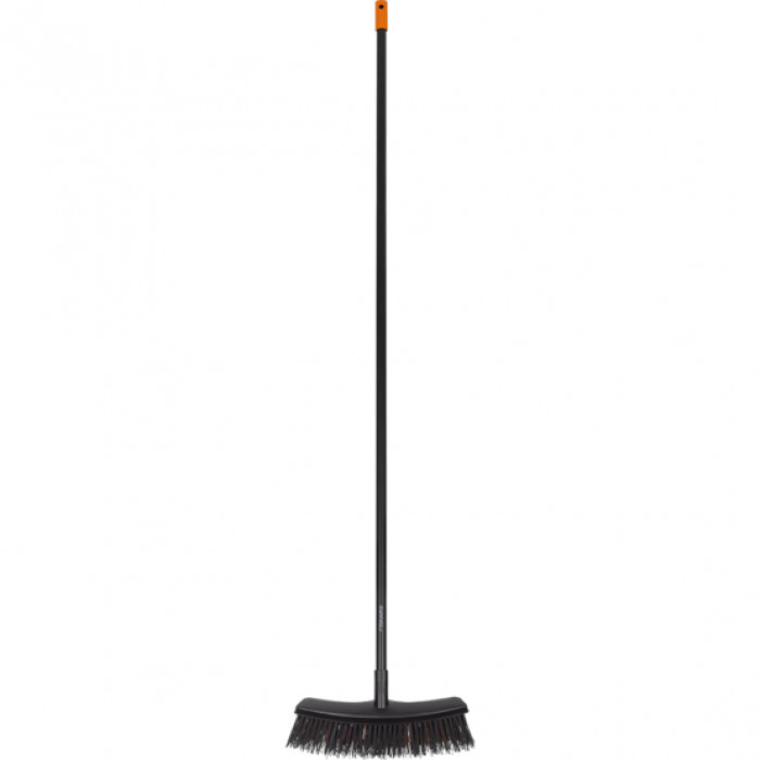 Broom universal Fiskars Solid